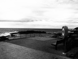 Kiama Pool, Pacific, waves, black and white, dreamcathcer.tv