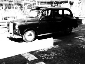 Sydney Taxi, CAB, black and white, dreamcatcher.tv