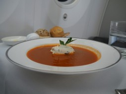 Oman Air, Business Class, Tomatencremsuppe